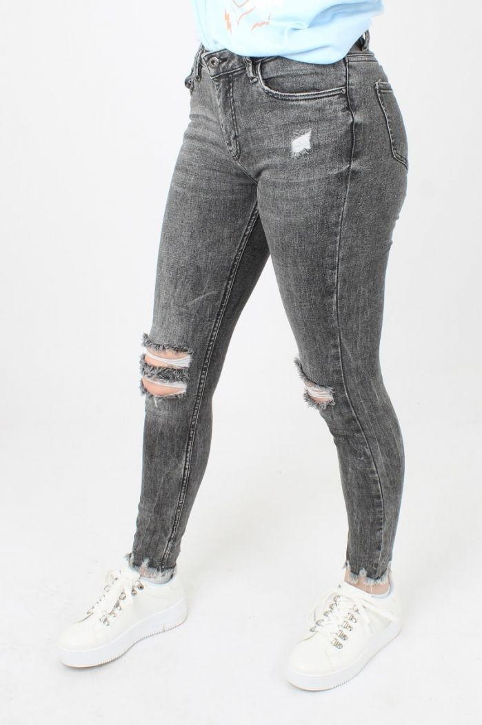 Queen Hearts Ripped Jeans
