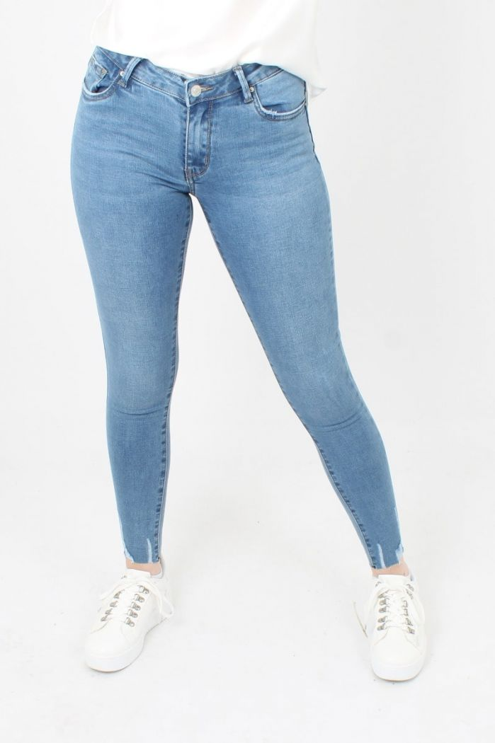 Queen Hearts Basic Jeans