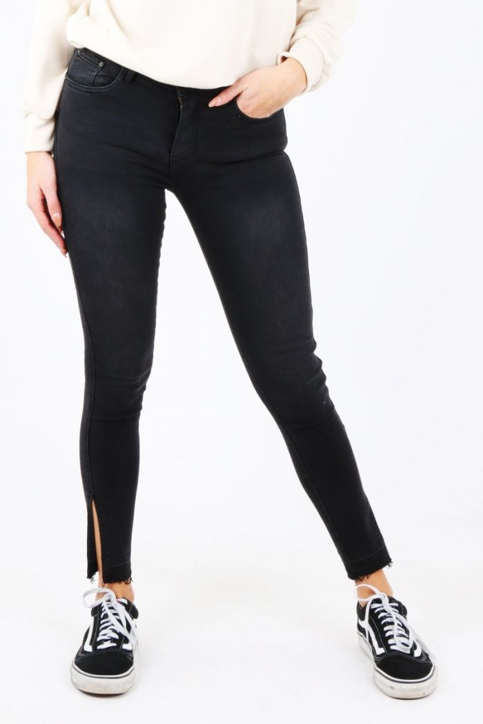 Skinny jeans met split Queen Hearts black